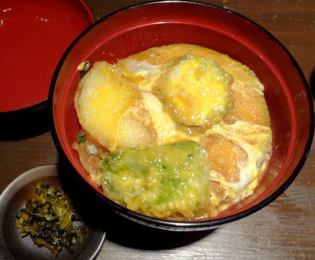 『まる謙うどん』野菜天とじ丼(単品550円)
