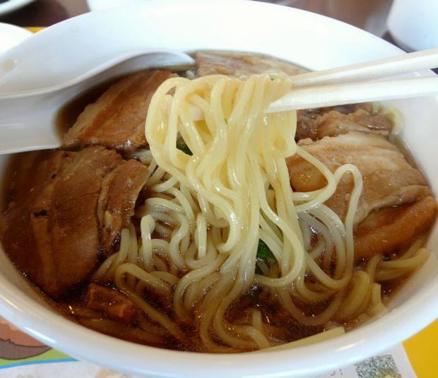『ミスタードーナツ 中央区大濠ショップ』肉そば(麺リフト)