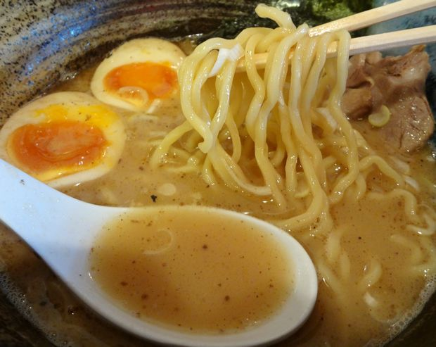 『中華蕎麦 翠蓮』味玉らーめん(麺リフト)