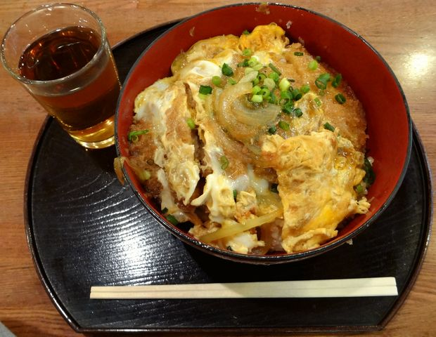 『角屋(B1階)』ジャンボかつ丼(480円)