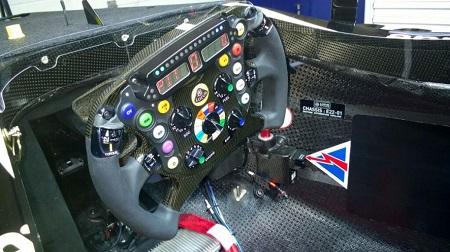 ロータスの新車E22がたったの1周で走行終了