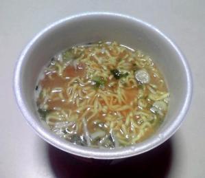 大勝軒 みそラーメン 大盛り(カップ版)(できあがり)