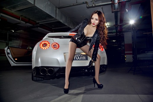 Nissan Gtr China Babe 0 Jpg