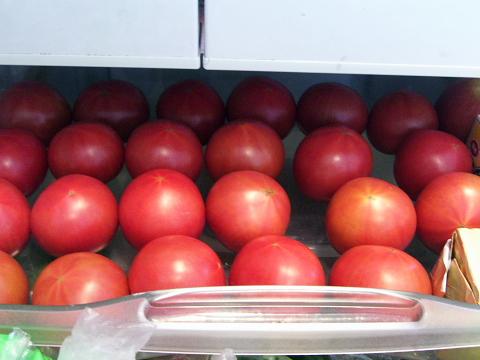 冷蔵庫のトマト