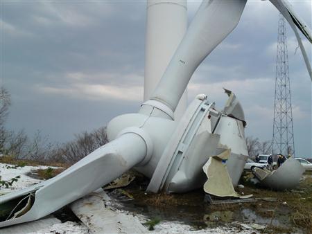 京都府伊根町の太鼓山風力発電所倒壊壊滅