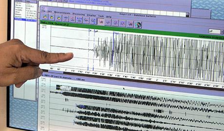 4h_00335352フィージーでM7,4とM6,6の強い地震観測