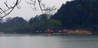 130218千波湖畔の消防車