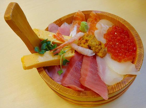130219海花亭の海鮮丼