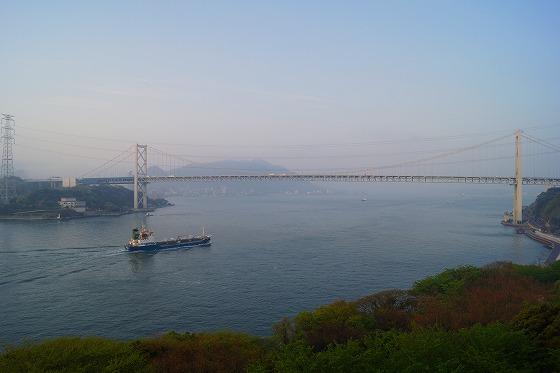 130425朝の関門海峡-2