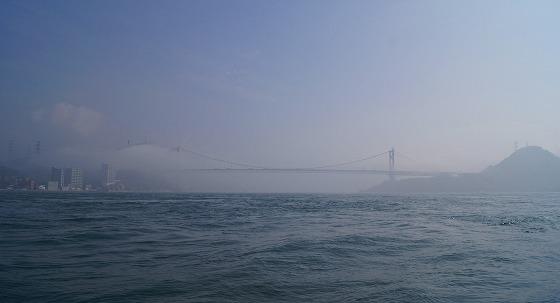 130425渡船から関門橋を-0