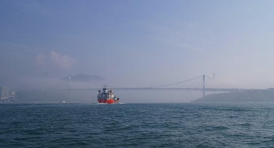 130425渡船から関門橋を-3
