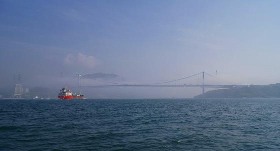 130425渡船から関門橋を-5