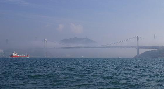 130425渡船から関門橋を-6