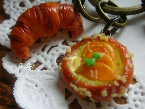 オレンジカスタードのパン6