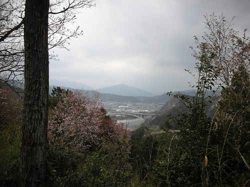 岩本山の向こう側