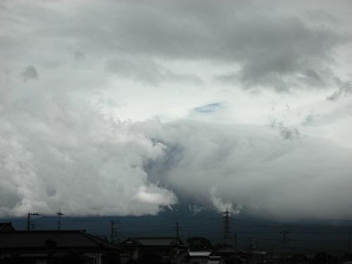 富士山周辺の雲