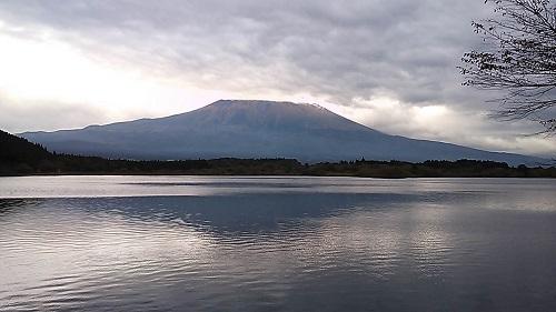 湖面の逆さ富士 15:59