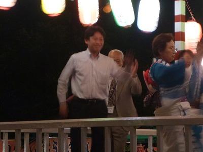 2012072101慰霊塔02