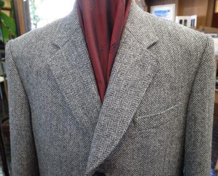 ツイードチェスターコートの襟元