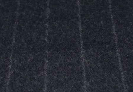 英国FOXBROTHERS(フォックスブラザーズ)のオーダースーツ用フランネル・紺の太いストライプ