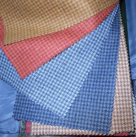 INNES-CHAMBERS(イネスチェンバース)のジャケット生地Peacok(ピーコック)・ハウンドトゥース