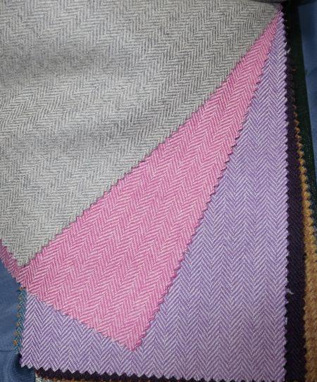 INNES-CHAMBERS(イネスチェンバース)のジャケット生地Peacok(ピーコック)ヘリンボーン