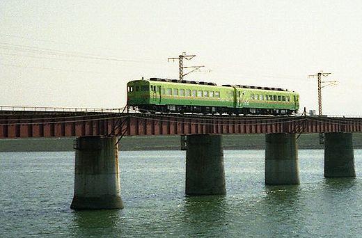 1989宮崎・ジョイフルトレイン大分キハ28-2487とキハ58-190 189-1