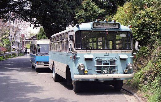1960年代製のいすゞ自動車製キャブオーバー型バス-1