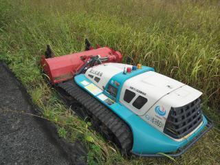 草刈マシン