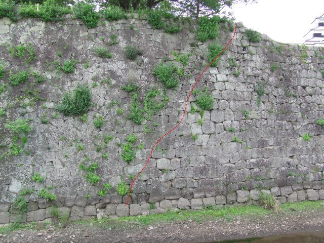 小峰城清水門西側石垣面2011年6月24日b