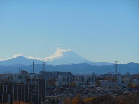 雲燃え立つ富士