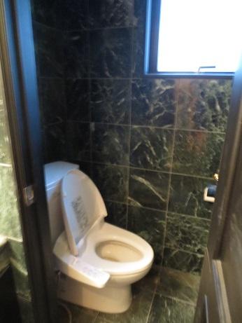 西麻布豪華なトイレ