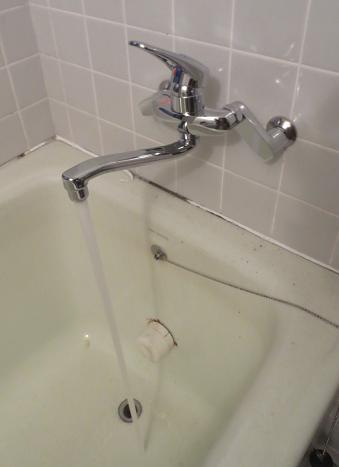 浴槽水詮取付完成