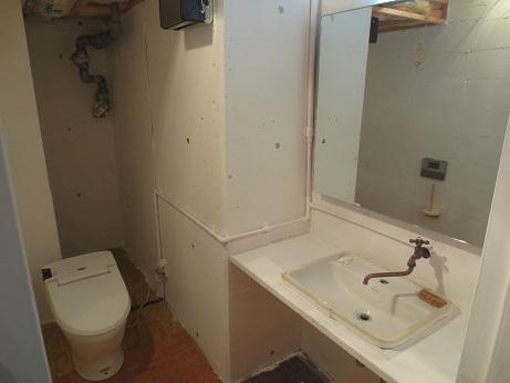 トイレB1