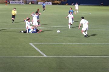 横浜FCは後半畳み掛けるも及ばず。阿部のドリブル突破を防がれた際に「ファウルを取れなかった」事も響いたか?