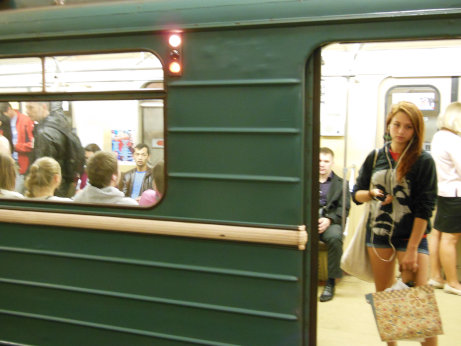 【画】ロシアの通学バス、まさに男にとって楽園だった [無断転載禁止]©2ch.net [931522839]YouTube動画>9本 ->画像>144枚