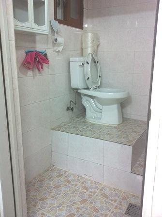 6590ハスク部屋内バスルーム (2)