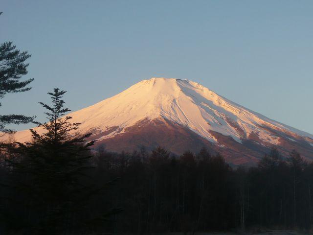 25日朝富士山2カイ