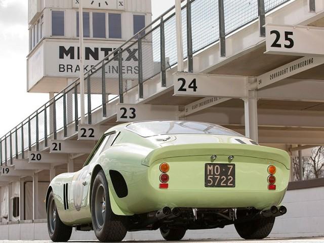 ferrari-250-gto-green-moss-03.jpg