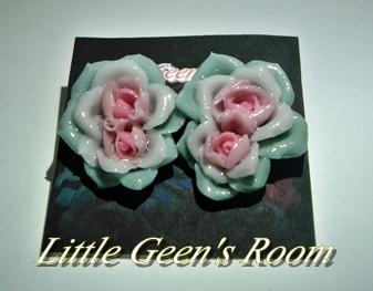 奇形バラのピアス薄緑ver