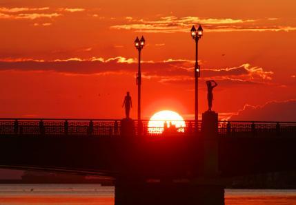 夕日と幣舞橋1