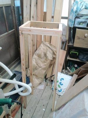 グラインダーを置く台 (4)