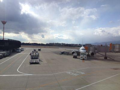 成田空港行きの飛行機
