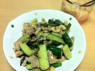 鶏と干しキュウリの酒粕納豆醤炒め