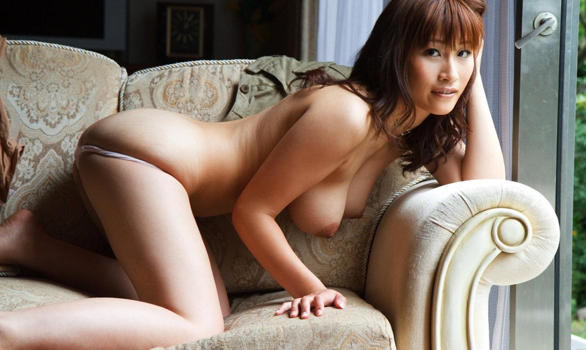 【No.8351】 Nude / 二階堂ソフィア