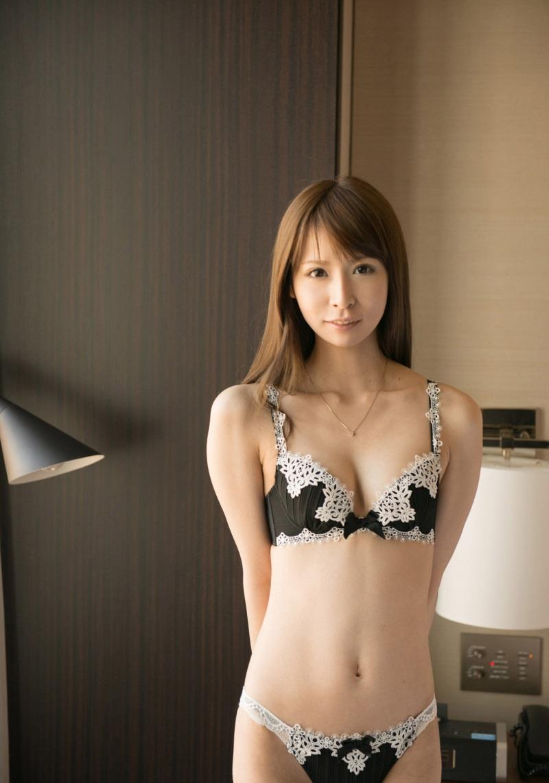 【No.8993】 綺麗なお姉さん / 野村萌香