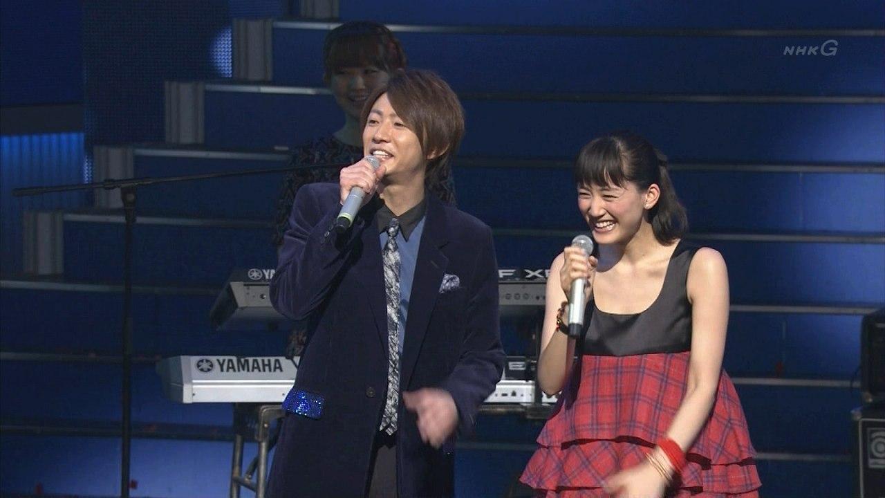 2013年紅白歌合戦、司会の綾瀬はるかと相葉雅紀