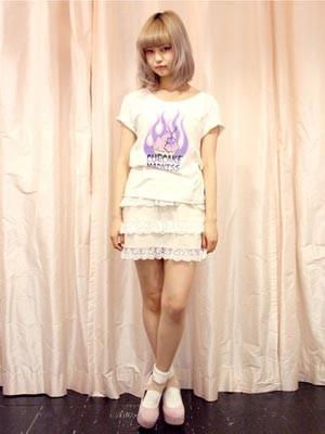 モデルデビューした中村雅俊の娘、中村里砂