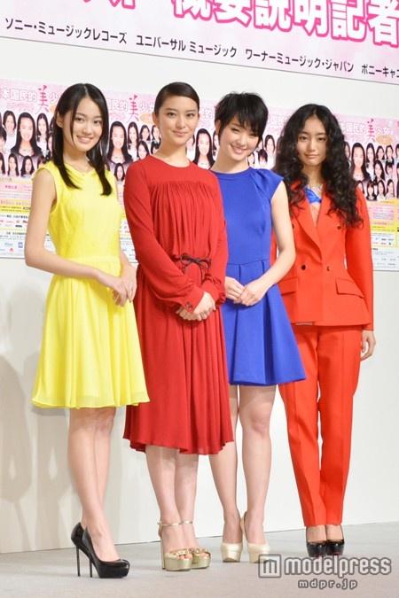 「第14回全日本国民的美少女コンテスト」開催(写真左から)吉本実憂、武井咲、剛力彩芽、忽那汐里