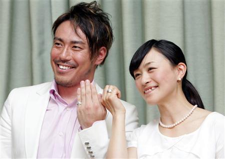 上村愛子と皆川賢太郎の結婚会見